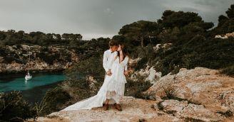Idealne ubranie na ślub w kościele i w plenerze! O czym należy pamiętać?