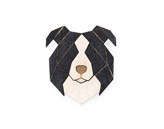 Drewniane broszki psów